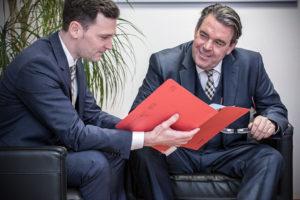 Fachanwalt Bernward Wittschier und Fachanwalt Stephan Oberbillig stehen Ihnen mit Rat und Tat zur Seite.